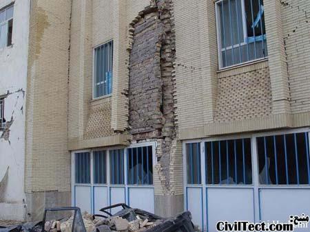 ریزش نمای بیرونی ساختمان