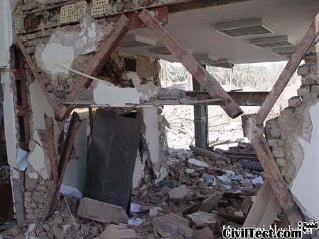 بررسی اشکالات اجرایی در عکسهایی از زلزله ۸۲ بم (سری ۲)