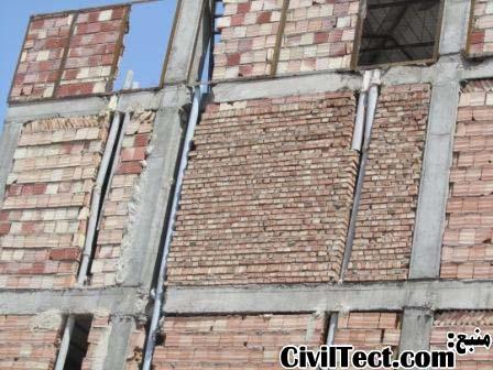 همون ساختمون قبلی: همانطور که مشاهده میکنین مجری این ساختمان هرجا که خواسته تیرها و دیوار رو قطع کرده تا لوله های تاسیسات رو عبور بده!
