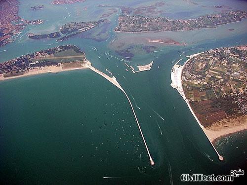 تصویر هوایی از پروژه مقاومسازی ونیز در مقابل سیل و خطر غرق شدن