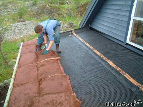 اجرای سقف چمنی مدرن بر روی سقف شیبدار