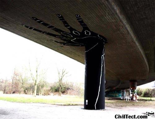 تزئین پایه پل در آلمان