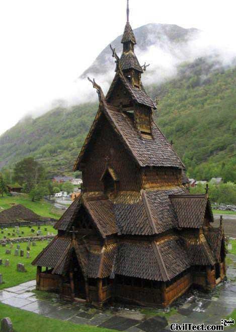 کلیسای ۹۰۰ ساله در نروژ