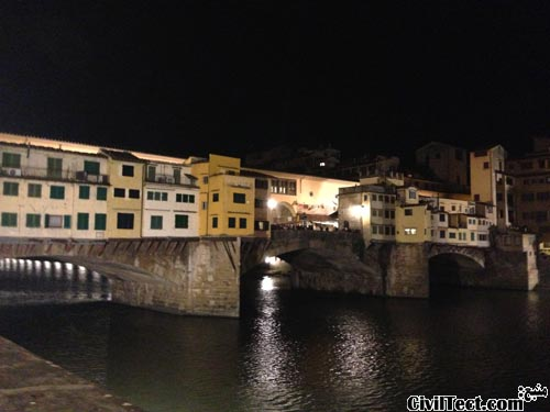 پل پنت وچیو (Ponte Vecchio) در شب