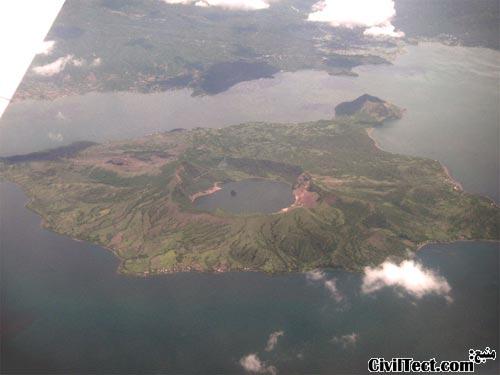 جزیره آتشفشانی Taal در فیلیپین